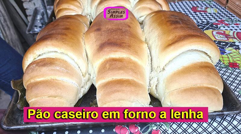 Pão caseiro assado em forno a lenha